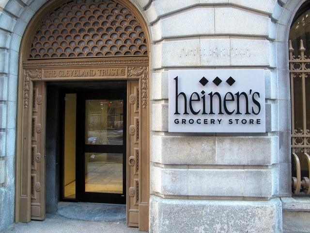 heinens-sign