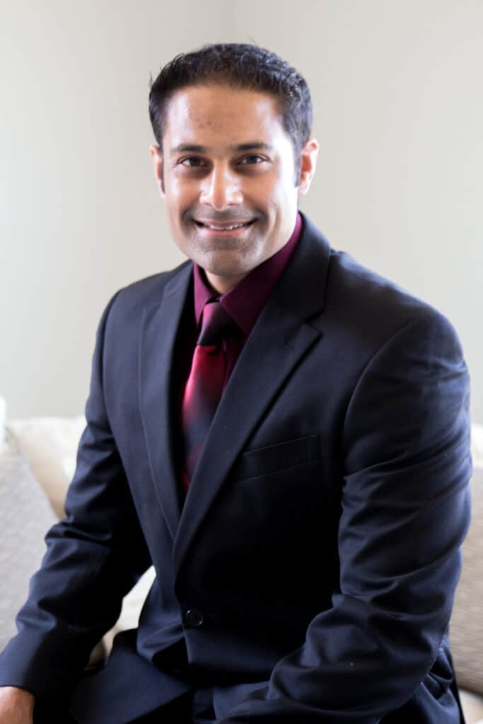 Anil Kesani, M.D. back and spine surgeon near me treats shooting burning leg pain