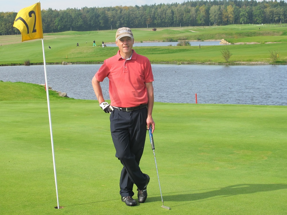 Golfer on 12th hole knows how much you need for retirement