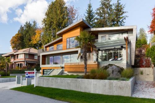 Copy of Bellevue Ave - 2665 (West Vancouver) - 05