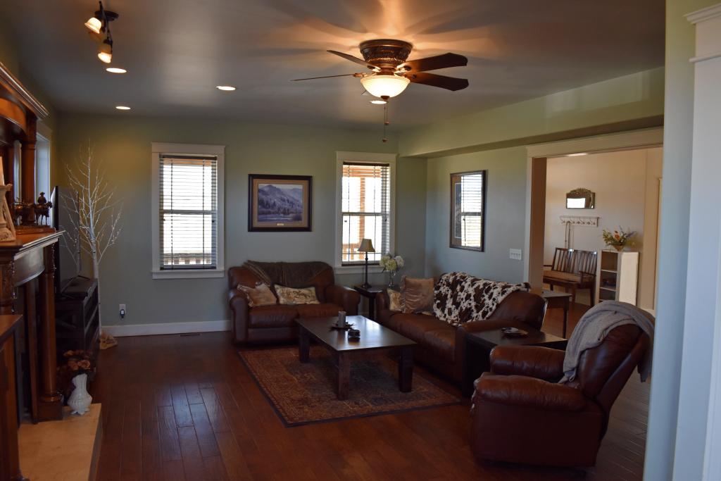 living-room-1024x683