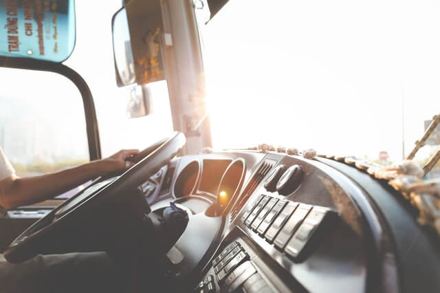 4 Things to Know about How Commercial Truck Financing Works