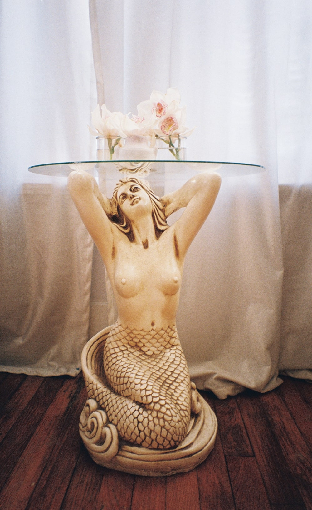 cody-swann-photo-43-mermaid-table