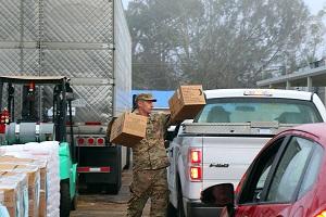 Florida National Guard provides supplies