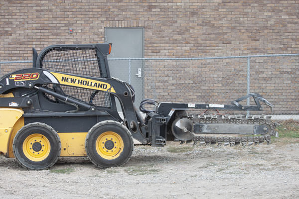 SKIDSTEER TRENCHER ATTACHMENT