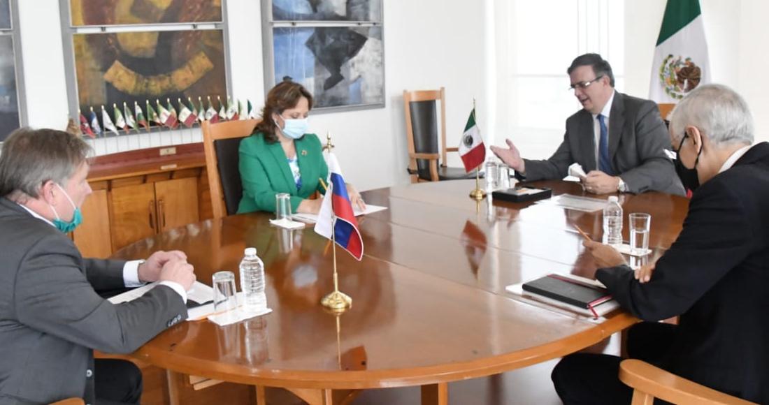 México está interesado en participar en la Fase III de la vacuna rusa contra el COVID-19, afirma Ebrard