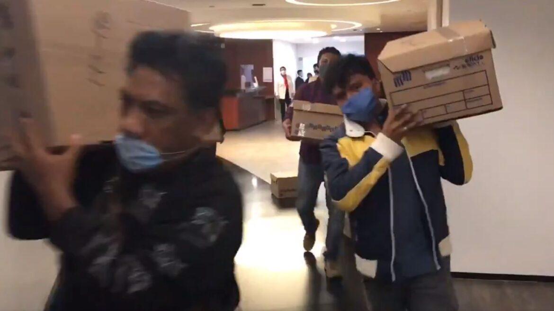 #ElOtroGrito | Minutos después de El Grito entregan al Senado los 2 millones de firmas para enjuiciar a los expresidentes
