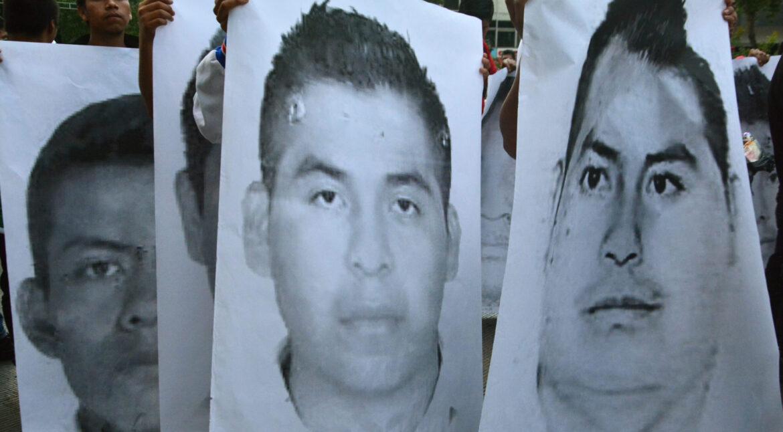 Extitular de la Policía Federal Ministerial, vinculado a Ayotzinapa, se entrega a las autoridades