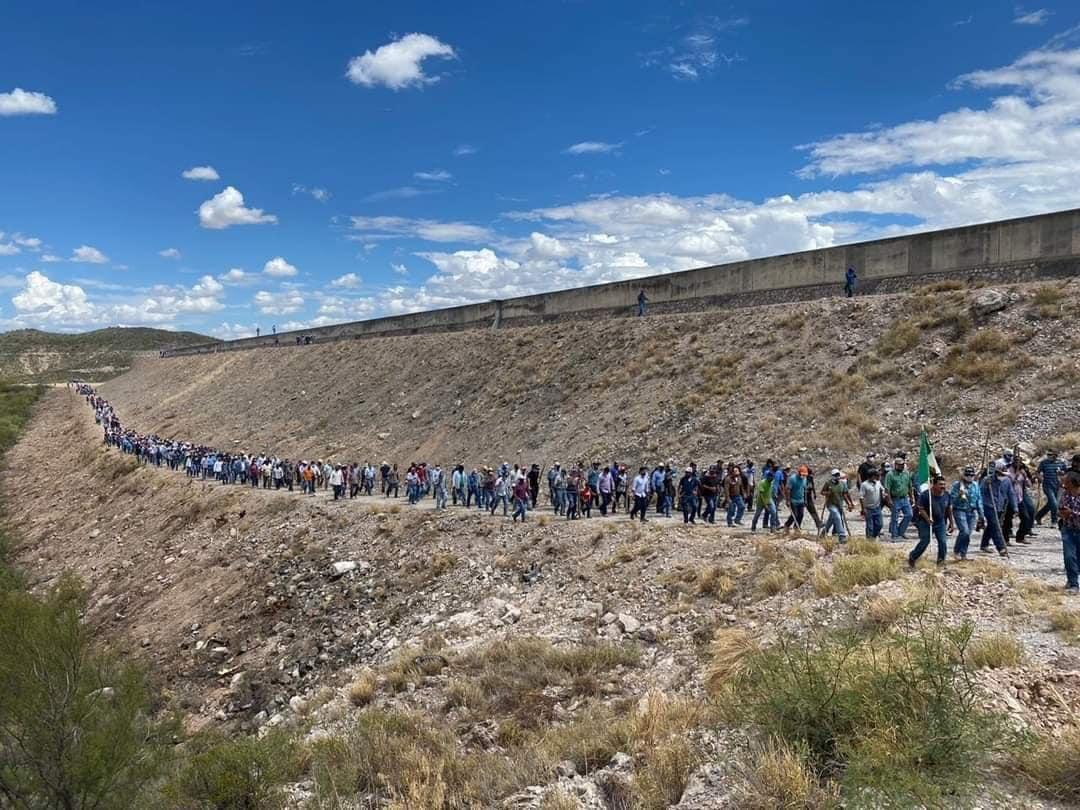 Agricultores de Chihuahua toman la presa La Boquilla para que la Conagua extraiga agua