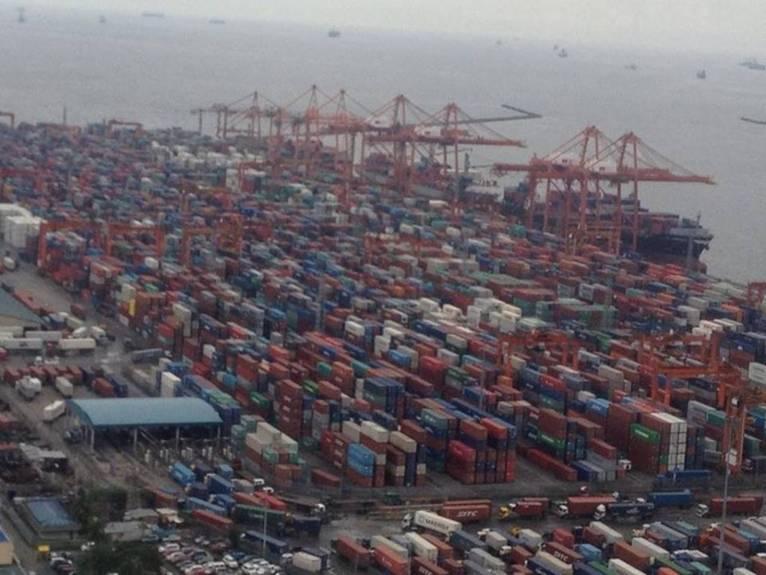 Port congestion