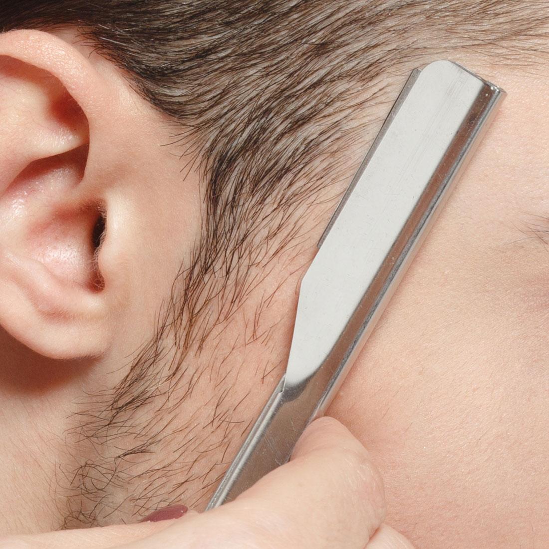 Men's Hair cut with razer