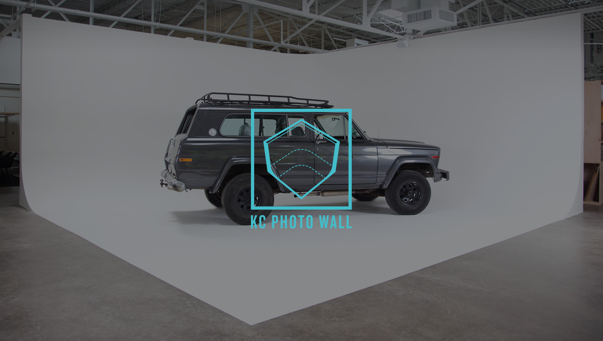 SamSmall Web-Grocers Warehouse-KC Photowall Logo Overlay