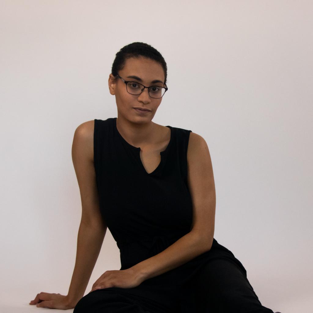 Salena, 23