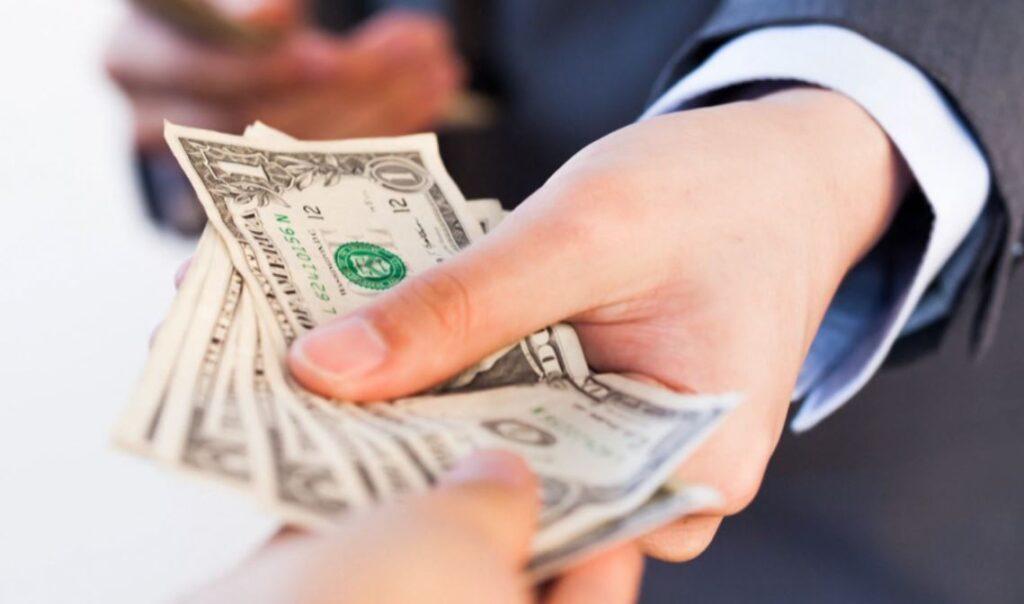Formas de entrega del dinero en Cuba