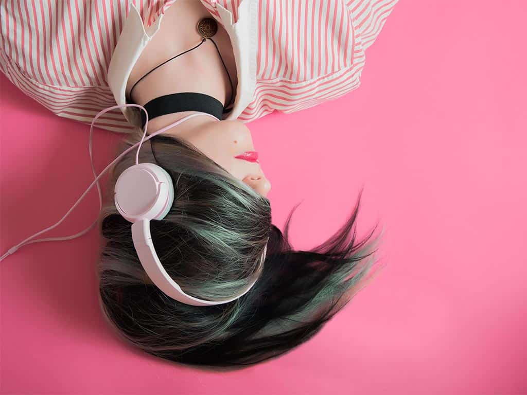 mindfulness podcasts podcast woman listening headphones