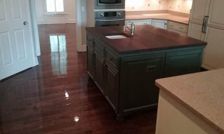 Hardwood Floor Kitchens
