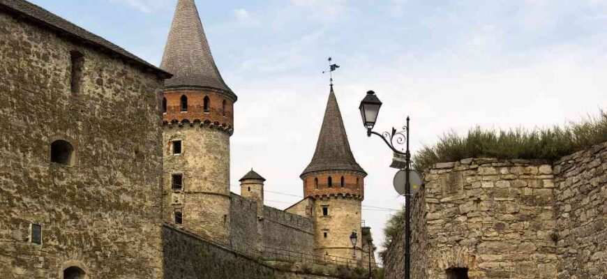 Stunning Photos of Abandoned Medieval Kamianets-Podilskyi Castle
