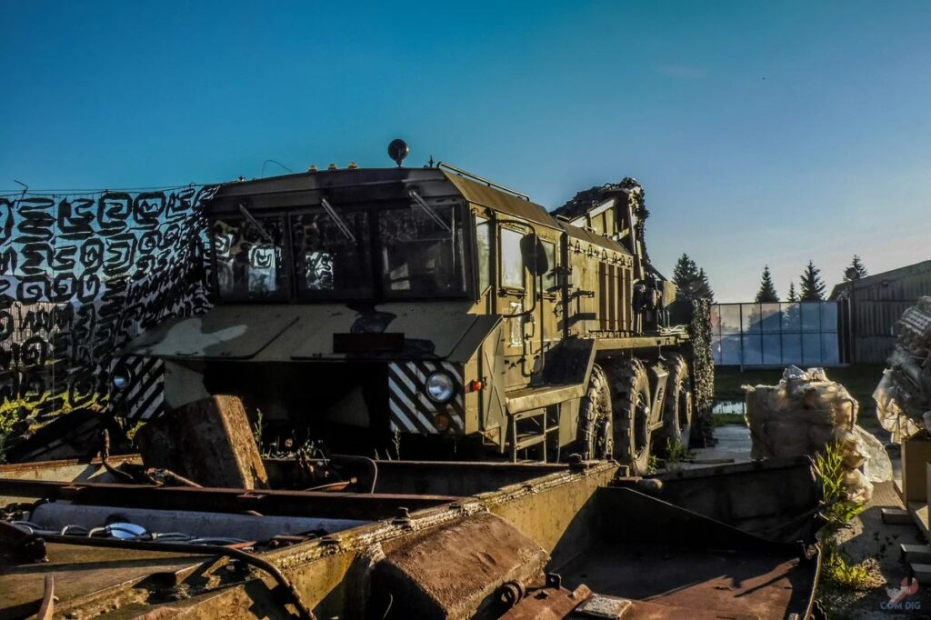 Stunning photos of an abandoned Russian armoured military carrier and tanks
