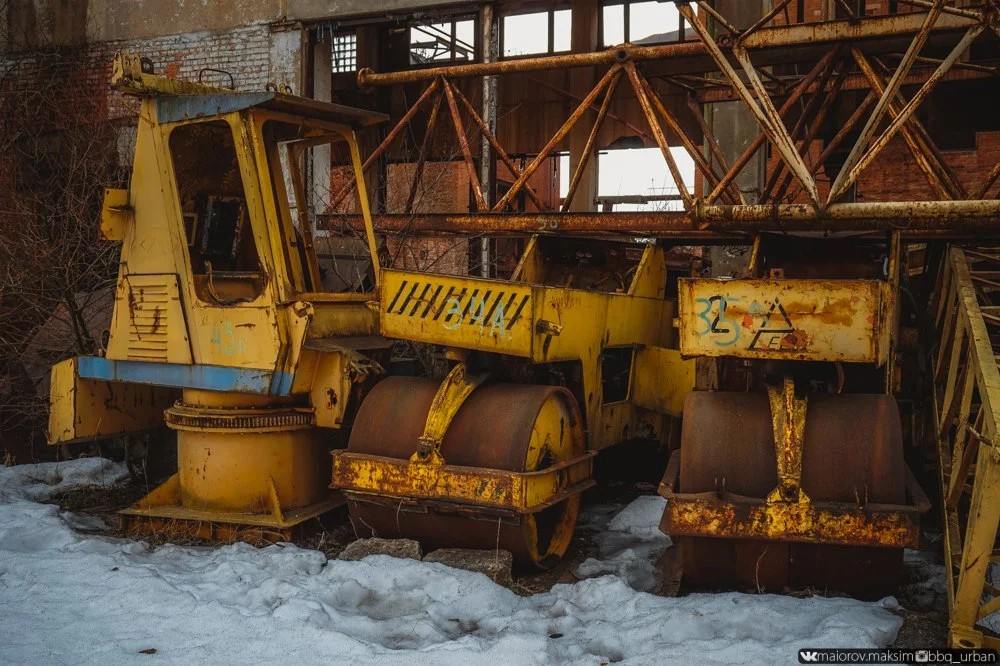 Abandoned construction equipment of House-building plant No. 1, Russia
