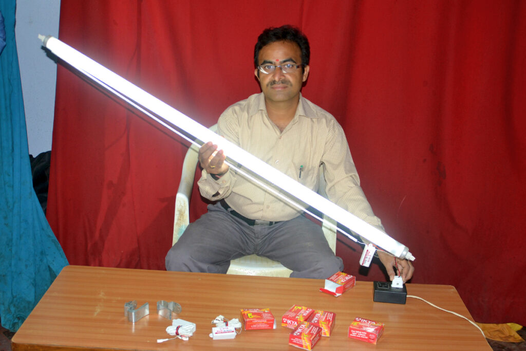 Telangana Engineer Brings 10 Lakh Dead Tube Lights to Life With Patented Formula!