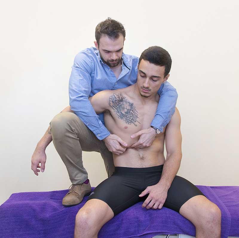 Jonathan Vallade osteopath liver mobilisation