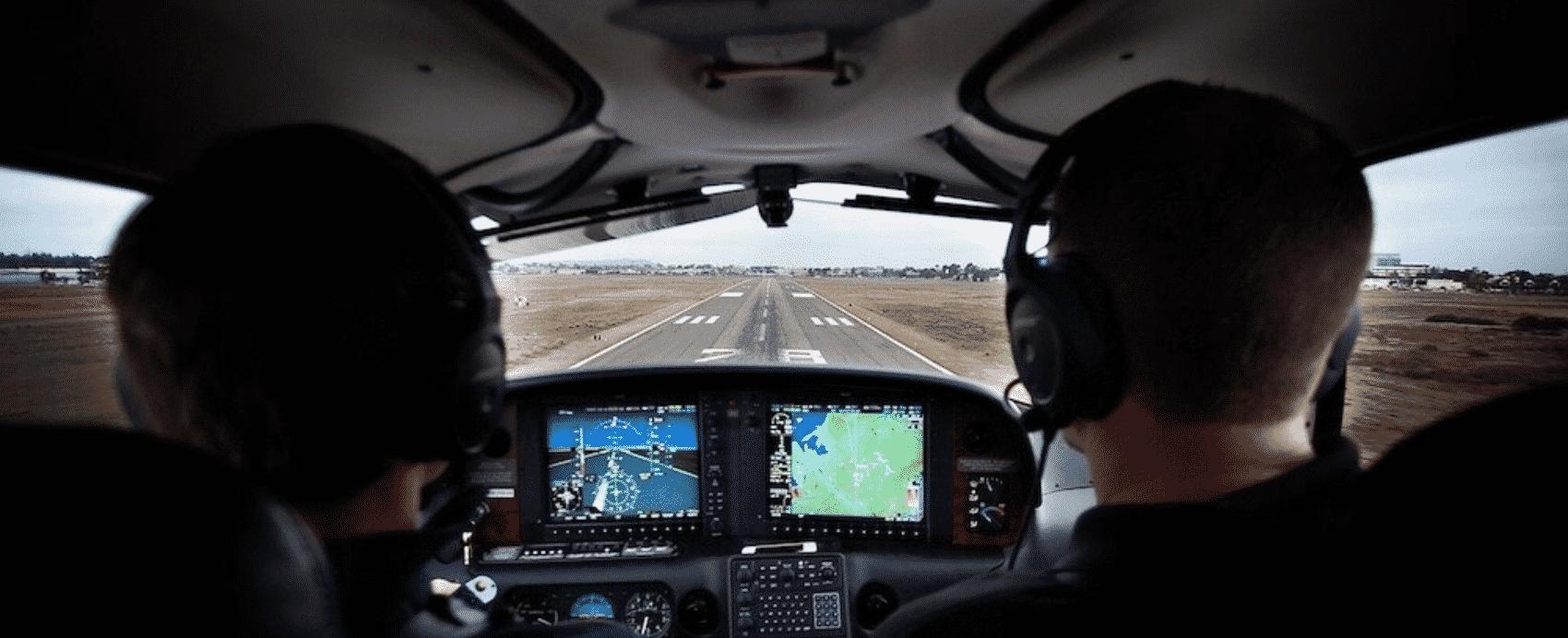 Philip Nijnens and Ronnie Greathouse Flying Cirrus SR22