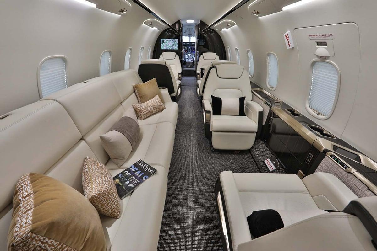 Bombardier Challenger 300 Interior