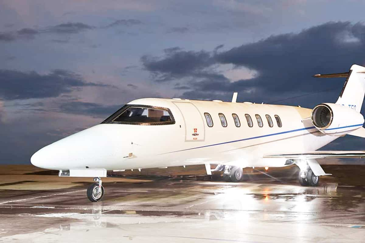 Lear Jet 45XR Exterior