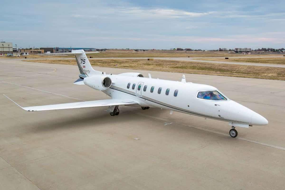 Lear Jet 75 Exterior