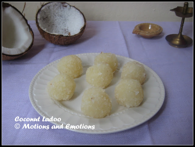 Coconut Ladoo / Two Ingredient Coconut Ladoo / Chinir Narkel Naru