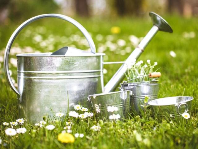 Gardening water pot and buckets