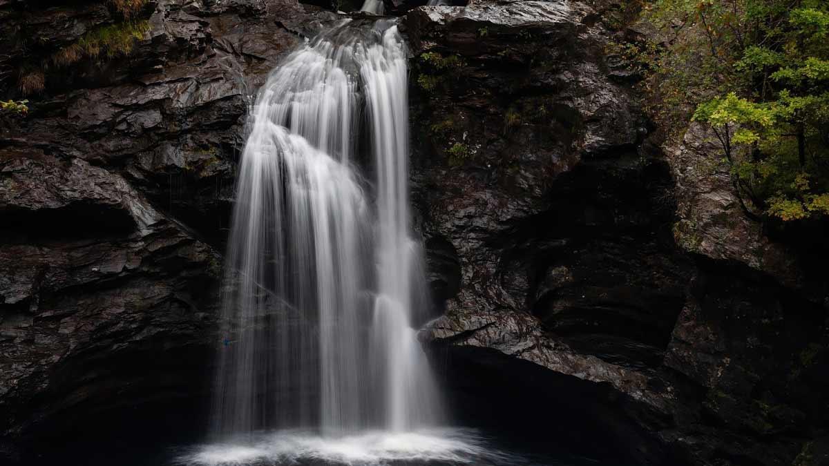 Jerry Mikutis - Image of a waterfall - Chicago Online Reiki Circle