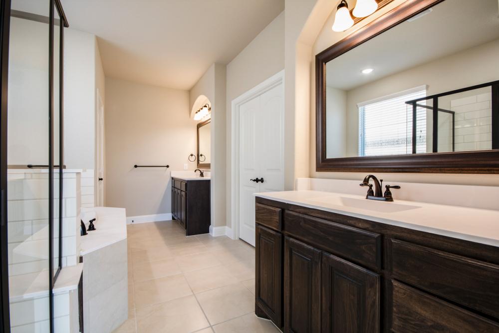 master bath cabinets 2 vanities
