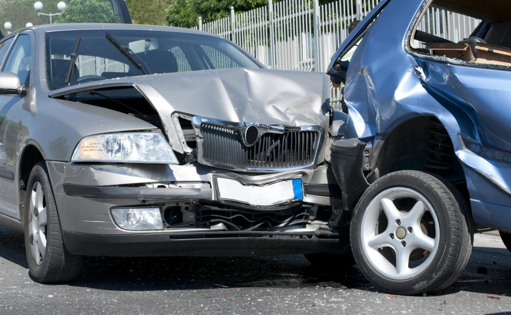 Sell Wrecked Cars for Cash Easily Now