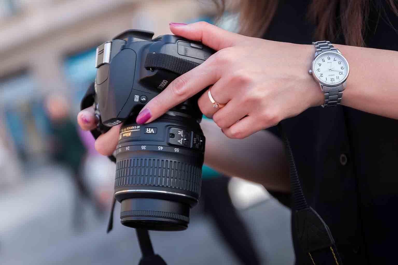 DSLR and Mirrorless Cameras