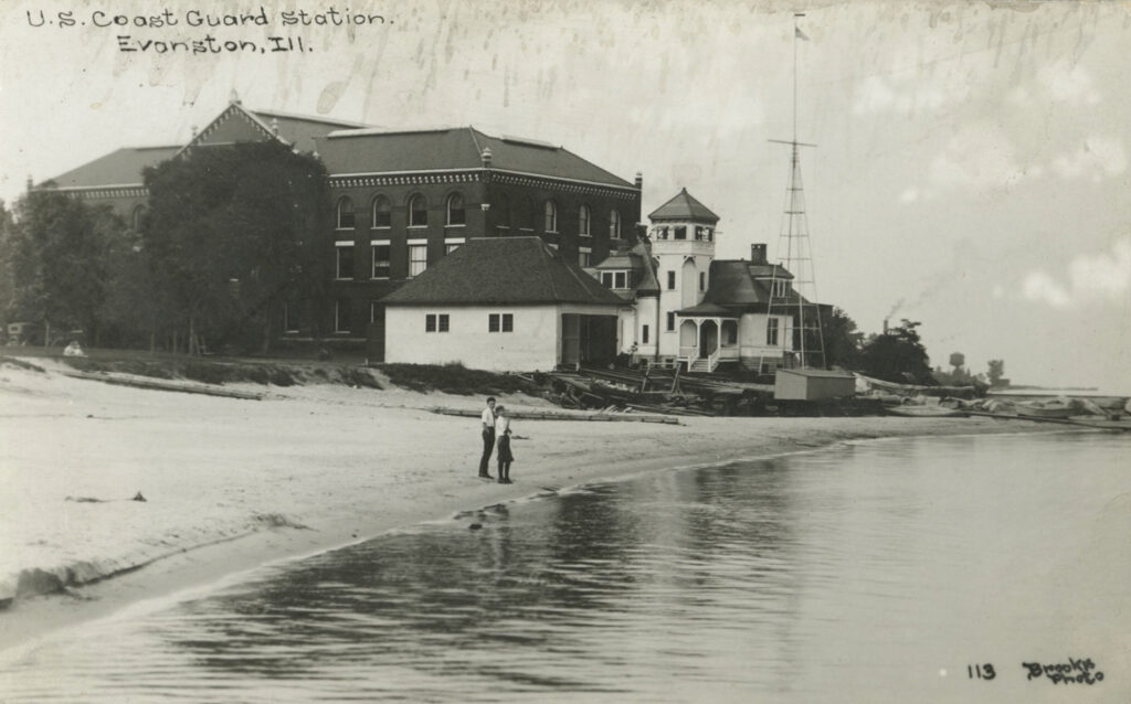 This image has an empty alt attribute; its file name is 15-Clark-Street-beach-Evanston-c.-1915-1931.-NU-Archives.-1024x638.jpg