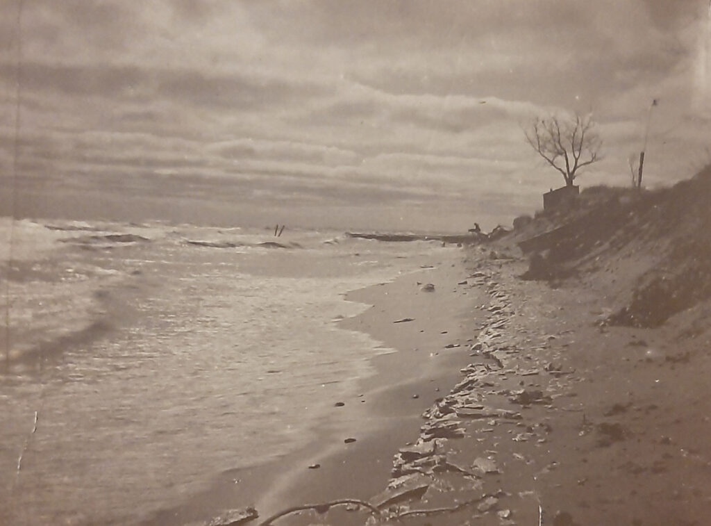 This image has an empty alt attribute; its file name is 3-Calvary-Beach-1900--1024x757.jpg