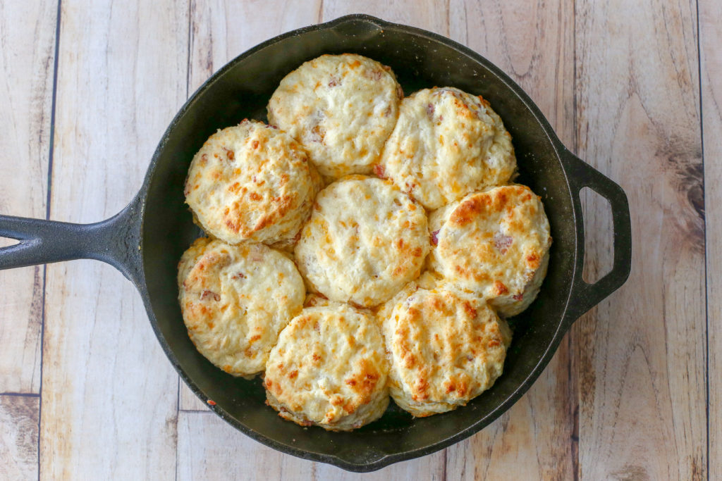 cheddar bacon buttermilk biscuits