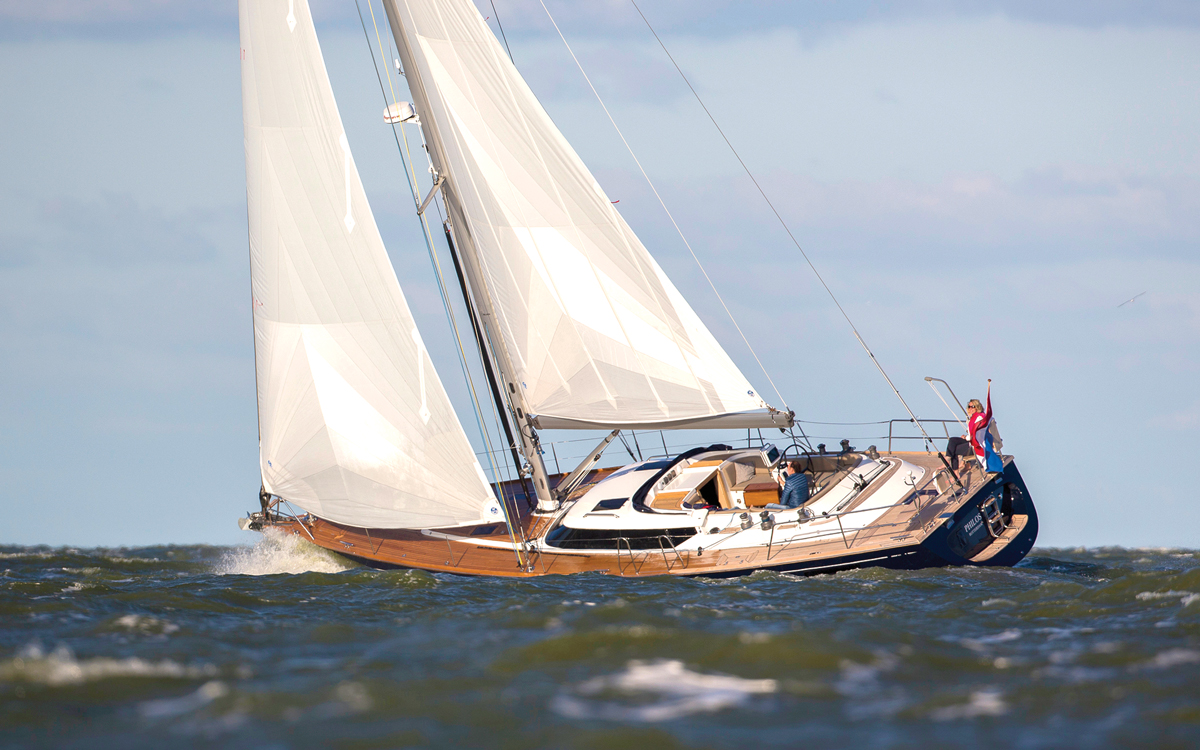 best-ever-bluewater-yachts-Contest-50CS-credit-Sander-van-der-Borch