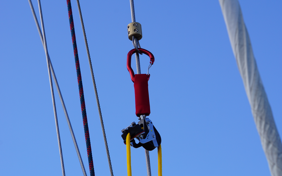 mob-retrieval-gear-test-catch-and-lift-fitting