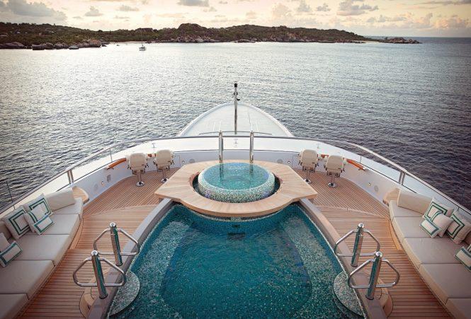 Kismet – top deck - Extraordinary swimming pools