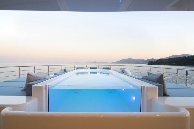 O'Ptasia – pool