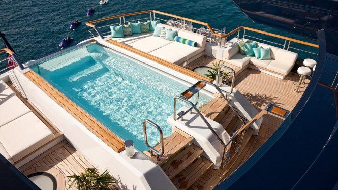 Pool onboard Solandge