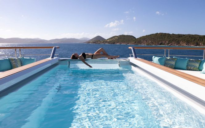 Yacht Solandge – Pool