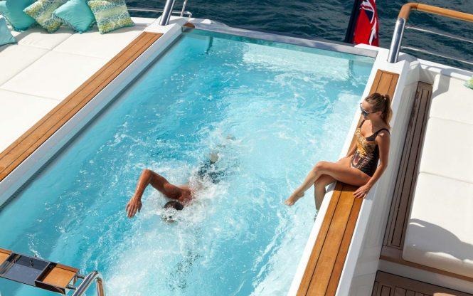 Yacht Solandge – Swimming Pool