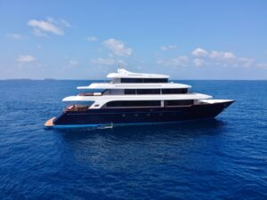 Luxury superyacht SAFIRA available in the Maldives