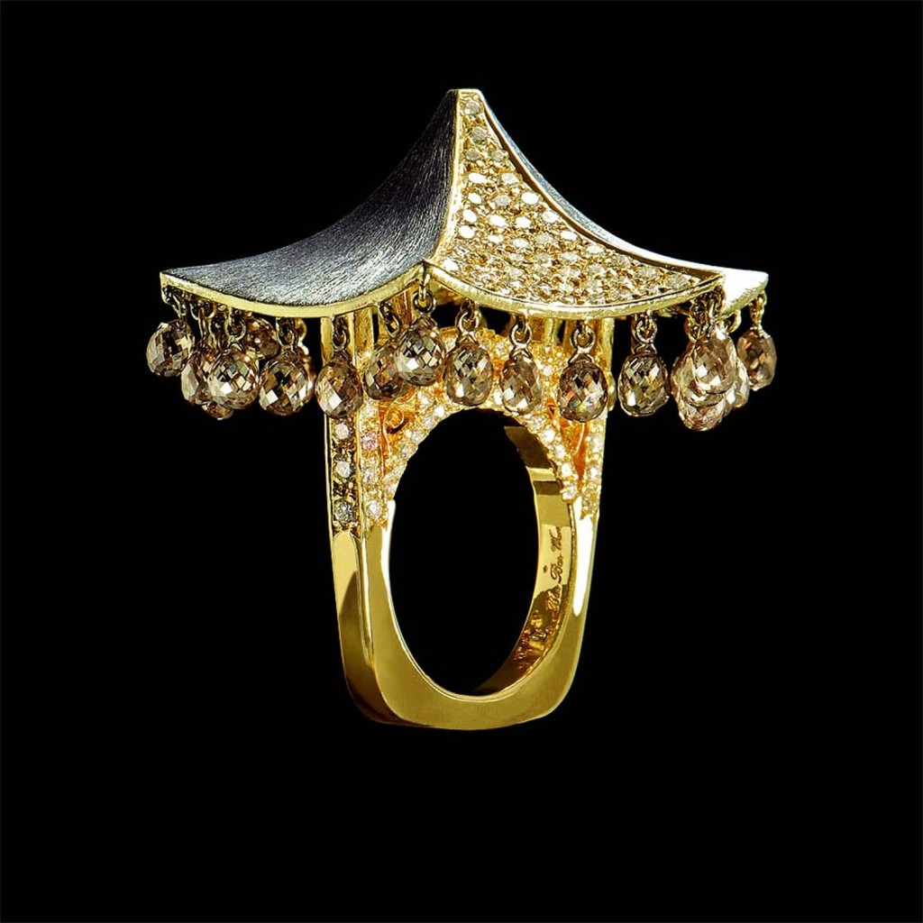 Bao Bao Wan La Maison de Mon Enfance pagoda ring in yellow gold, set with white, brown and yellow diamonds