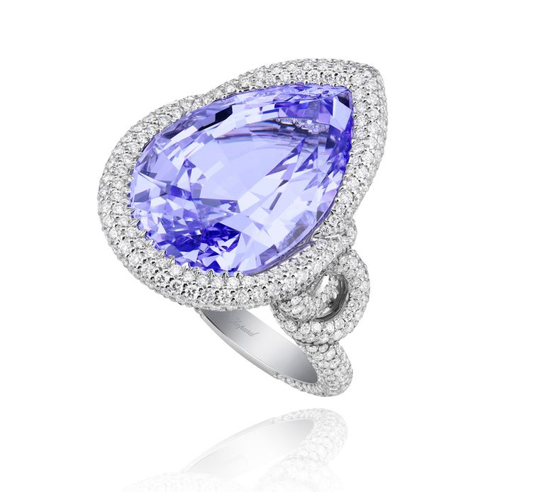 A spinel ring from Chopard's Red Carpet collection. Note the fully diamond-paved shank of the ring and its knotted forms.