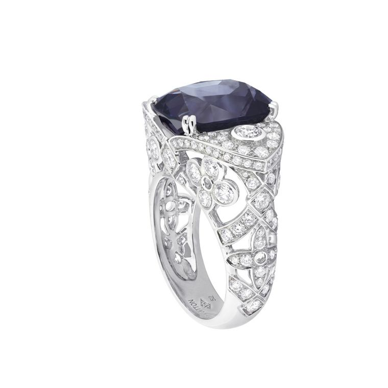 Louis Vuitton Voyage dans le Temps Dentelle de Monograme ring in white gold with a 9.50ct purple spinel from Tajikistan and 2.59ct diamonds.