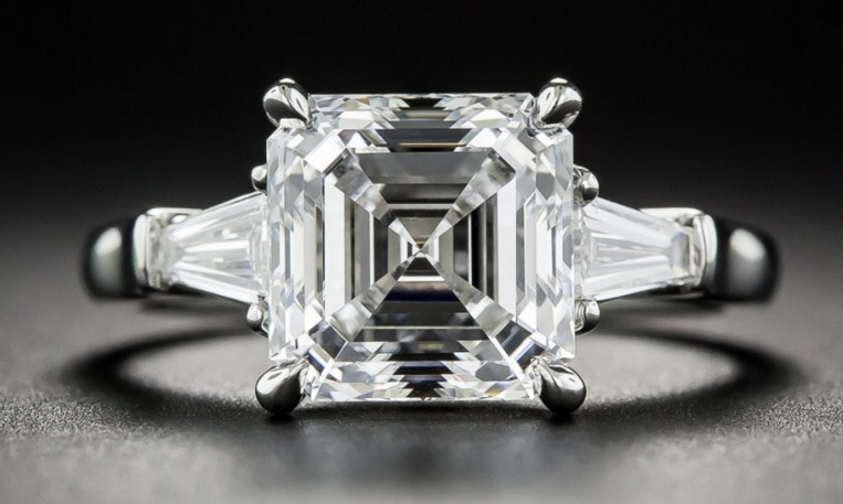3.01 Carat Square Emerald Cut Diamond Ring, GIA E VS2